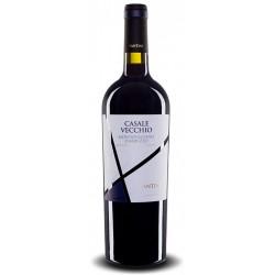 Italian red wine from abruzzo Casale Vecchio Montepulciano D'Abruzzo DOC bottle