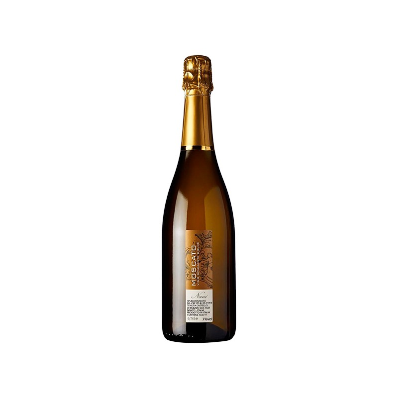 Italian Wine Moscato Dolce Spumante bottle